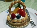 ユーハイムのコラボケーキが超かわいい♪赤ずきんです。