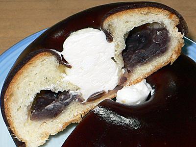 見た目も味もニクいやつ。富士製パンのようかんぱん。