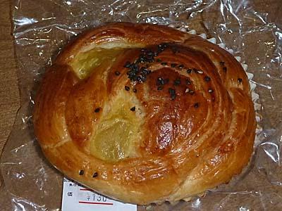 川上開栄堂商店のスイートポテトパン