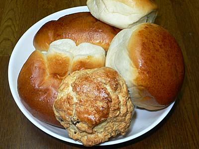 守谷のパン あんパン クリームパン ロックケーキ